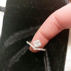 NWOT Pandora Square Sparkle Wishbone Ring